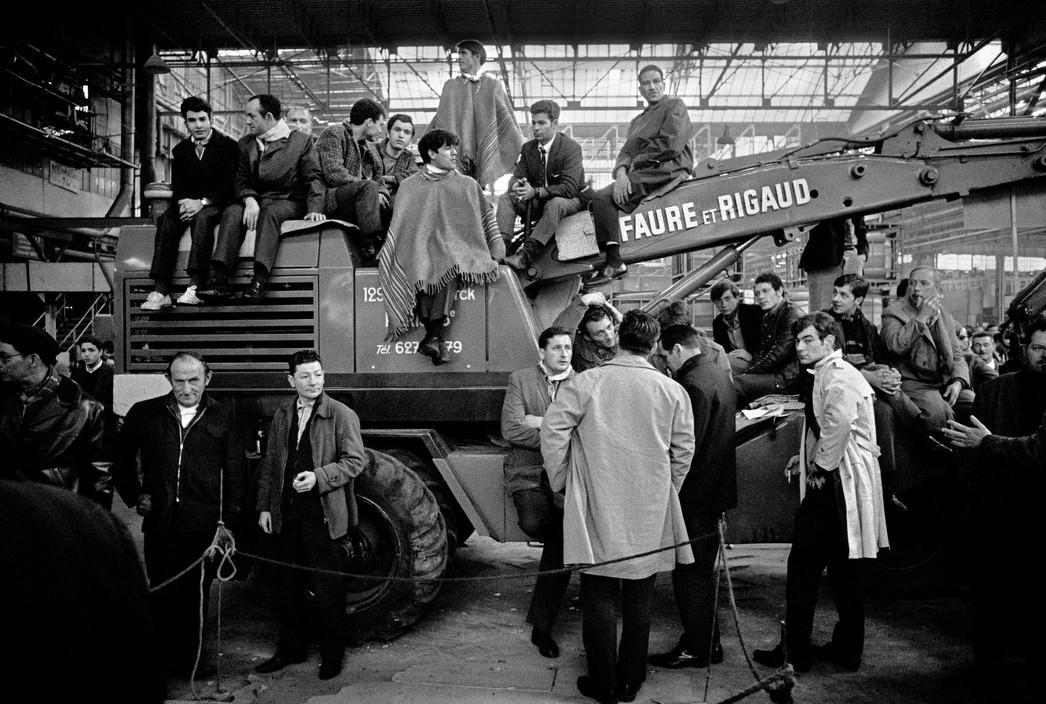 Красный май 1968, рабочие бастуют