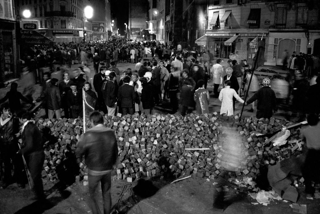 Май 1968, баррикады на улицах