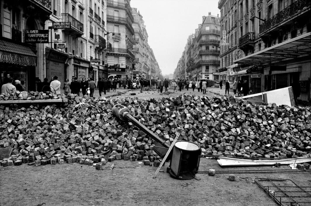 Красный май 68, баррикады