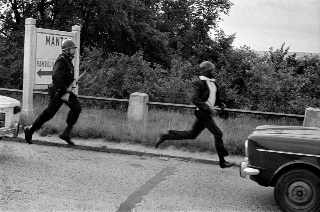 Полиция репрессирует рабочих, Красный май 1968